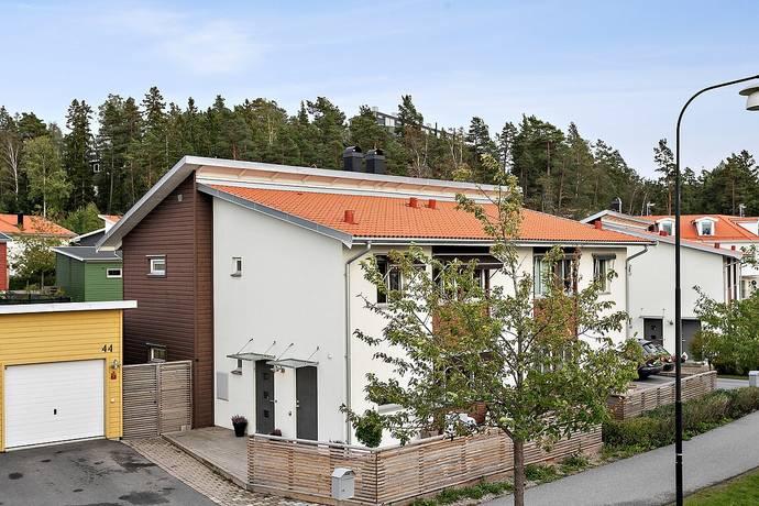 Bild: 5 rum radhus på Hageby Allé 44, Huddinge kommun Vistaberg