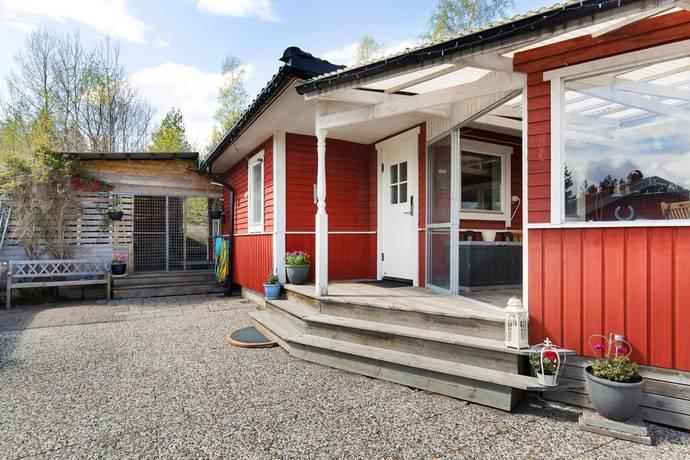 Bild: 4 rum villa på Rörsångarvägen 8, Håbo kommun Söderskogen - Skokloster