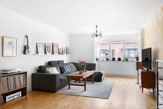 Bild: 3 rum bostadsrätt på Almbacksgatan 16, Malmö kommun S:t Knuts torg/ Möllan