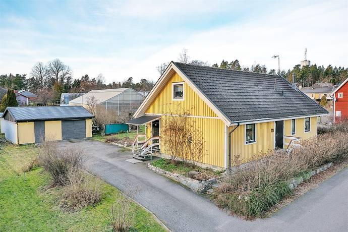 hemnet katrineholm villa