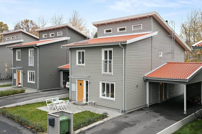 Bild: 6 rum villa på Våreldsvägen 42, Linköpings kommun STUREFORS