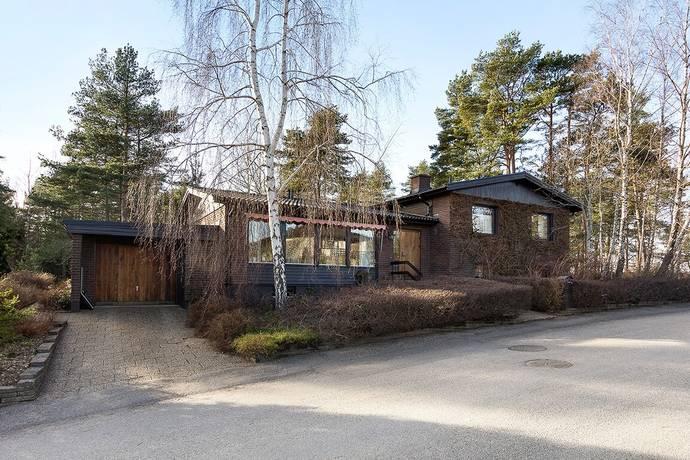 Bild: 6 rum villa på Stensoppevägen 21, Trollhättans kommun Eriksro
