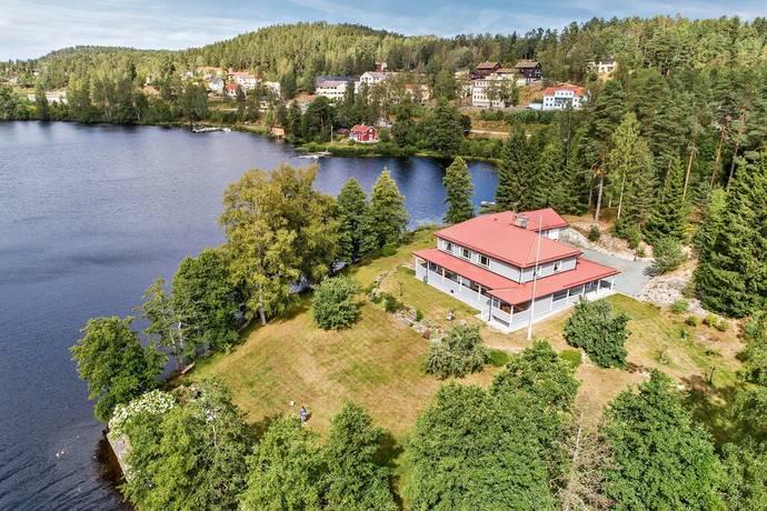 Bild: 8 rum villa på Christian Aarsruds väg 6, Bengtsfors kommun