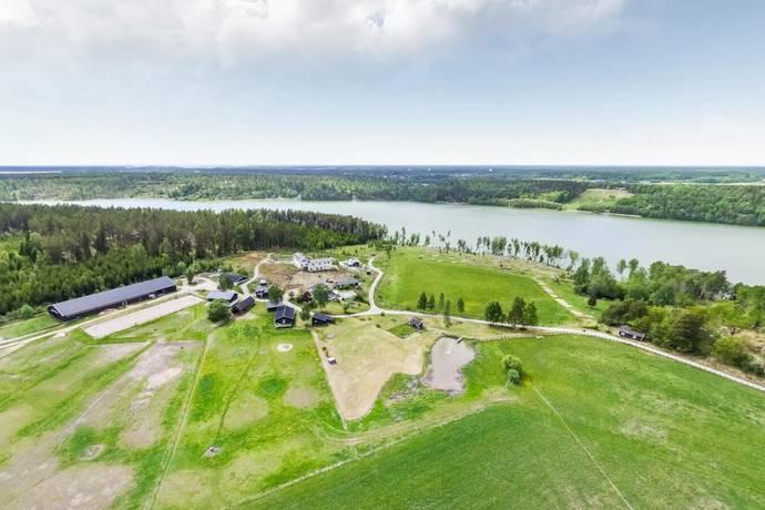Bild: gård/skog på UTVECKLINGSFASTIGHET, Upplands-Bro kommun