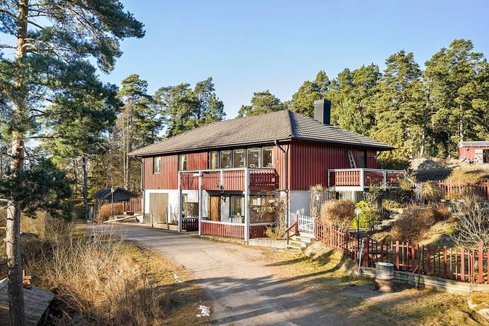 Bild: 6 rum villa på Sollenkrokavägen 212, Värmdö kommun Djurö
