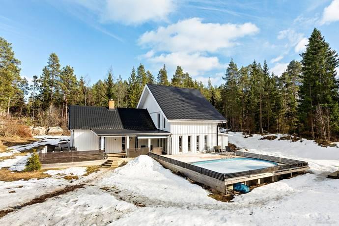 Bild: 6 rum villa på Gamla Furuviksvägen 12, Gävle kommun Sikvik