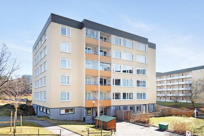 Bild: 1,5 rum bostadsrätt på Loftvägen 12, Huddinge kommun Skogås