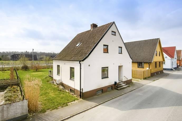 Bild: 5 rum villa på Nygatan 26, Tomelilla kommun Rosendal