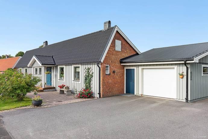Bild: 4 rum villa på Bergslagsgatan 63, Säters kommun
