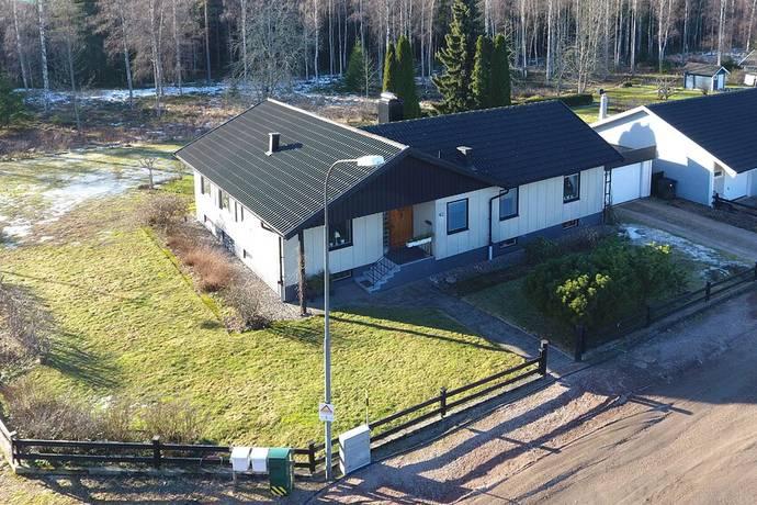 Bild: 5 rum villa på Västra Klintvägen 42, Kristinehamns kommun Djurgården