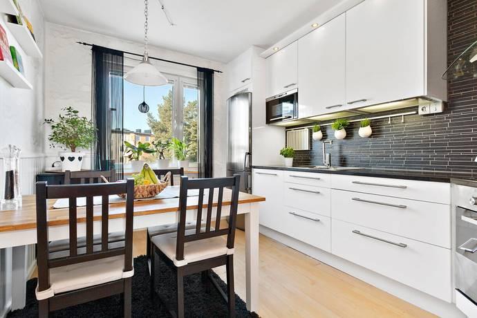 Bild: 3 rum bostadsrätt på Månstorpsvägen 16, 3tr, Botkyrka kommun Tullingeberg