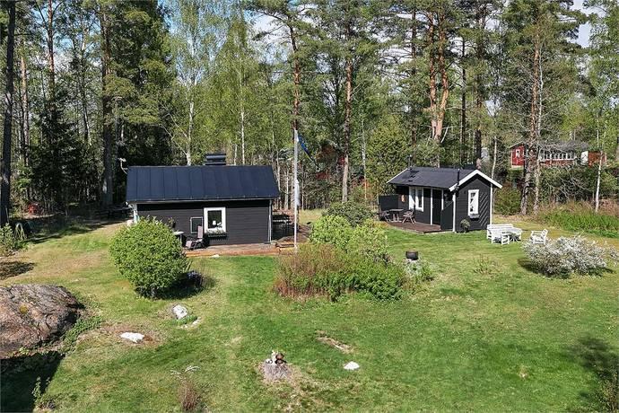 Bild: 2 rum fritidshus på Skogsvägen 35A, Katrineholms kommun Varbro