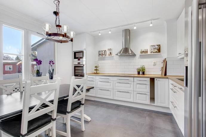 Bild: 2 rum bostadsrätt på Zetterlunds väg 126B, Vallentuna kommun Kragstalund