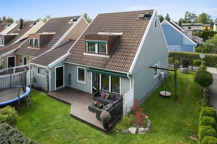 Bild: 5 rum villa på Litsbyvägen 71, Täby kommun Skarpäng