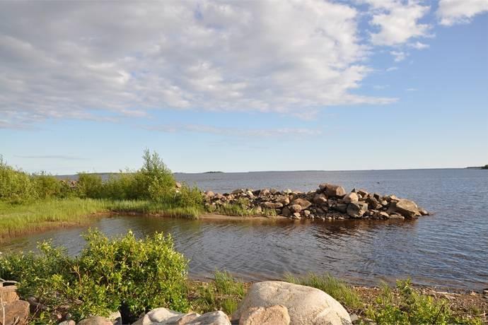 Bild: tomt på Salmis Majgårdsvägen 108, Haparanda kommun Salmis