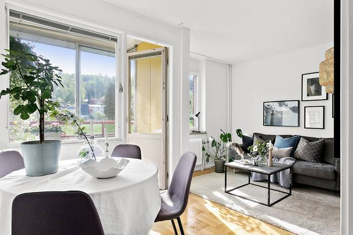 Bild: 1 rum bostadsrätt på Sörgårdsvägen 8, Ale kommun Bohus