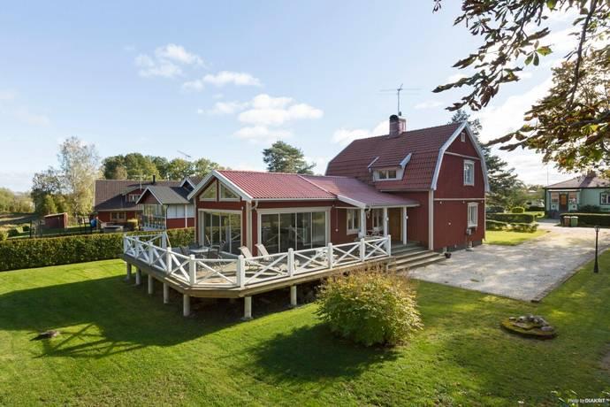 Bild: 5 rum villa på Östra vägen 5A, Örebro kommun Odensbacken