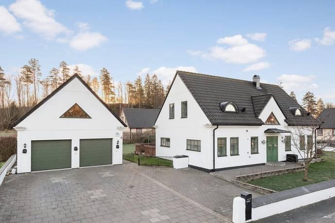 Bild: 5 rum villa på Hagatorpsvägen 16, Ljungby kommun