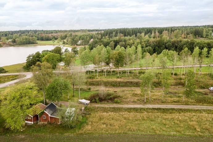 Bild: tomt på Klinten 100, Lilla Edets kommun Prässebo