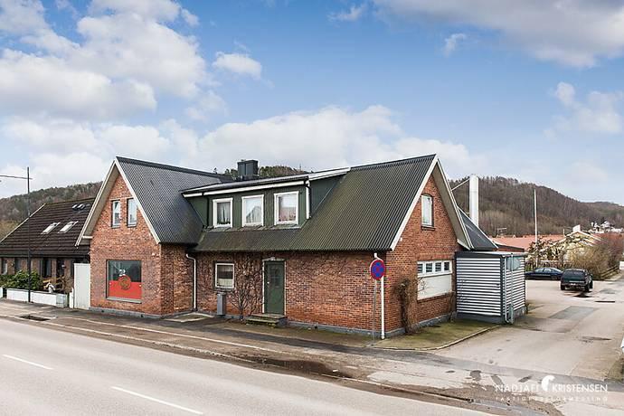 Bild: 125 m² övrigt på Örebäcksvägen 3 & Köpmansgatan 110 A,B, Båstads kommun Båstad