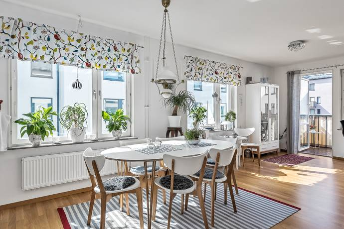 Bild: 3 rum bostadsrätt på ÖSTERSKÄRSVÄGEN 12 B, Österåkers kommun Östra Kanalstaden