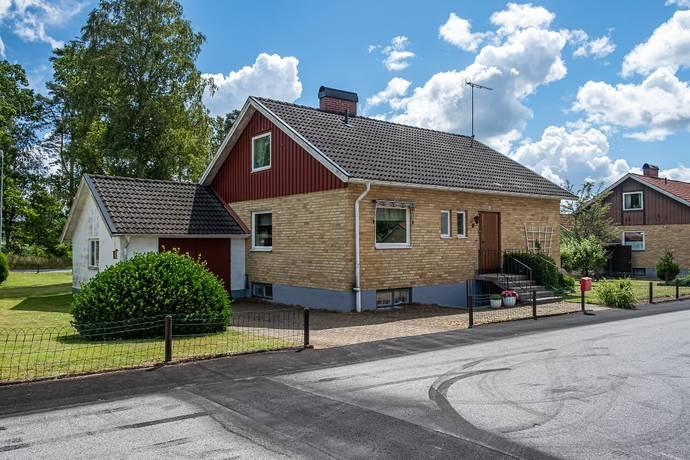 Bild: 5 rum villa på Viaduktgatan 22, Hässleholms kommun Hästveda