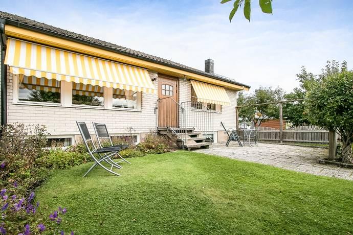 Bild: 4 rum villa på Sandstensvägen 7, Örebro kommun Lundby