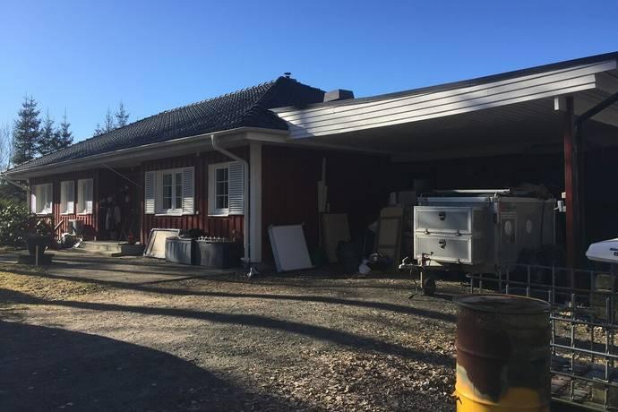 Bild: 5 rum gård/skog på Åsaka Myrbacken, Trollhättans kommun Trollhättan