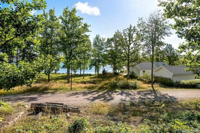 Bild: tomt på Blankaviksvägen 15, Västerviks kommun Solstadström