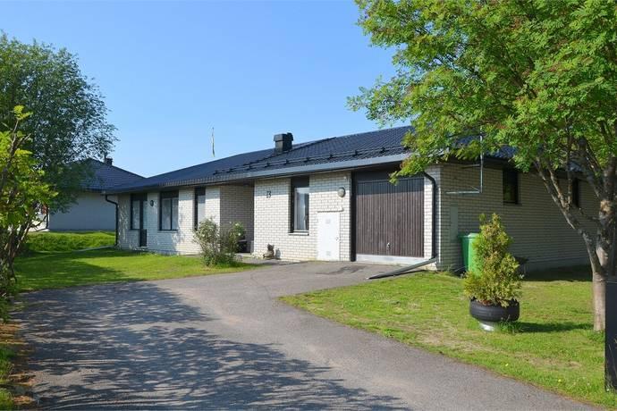 Bild: 4 rum villa på Laestadius väg 13, Haparanda kommun Närsta