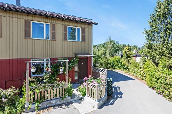 Bild: 5 rum radhus på Flygarvägen 231, Järfälla kommun Barkarby