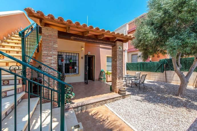 Bild: 67 m² villa på Bo nära centrala Torrevieja för ett otroligt pris!, Spanien