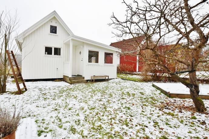 Bild: 3 rum fritidshus på Melodigången 199, Göteborgs kommun Säve / Gunnesby Koloniområde