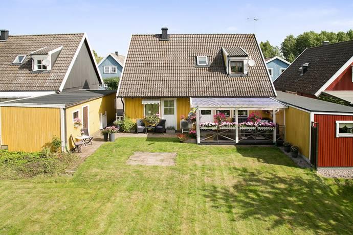 Bild: 5 rum radhus på Husargatan 18, Skara kommun Axvall