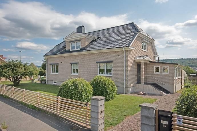 Bild: 7 rum villa på Folkungavägen 44, Jönköpings kommun Rosenlund