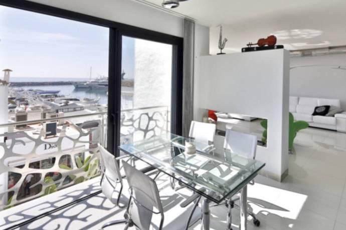 Bild: 3 rum bostadsrätt på Nyrenoverat mitt i Puerto Banus, Spanien Puerto Banus