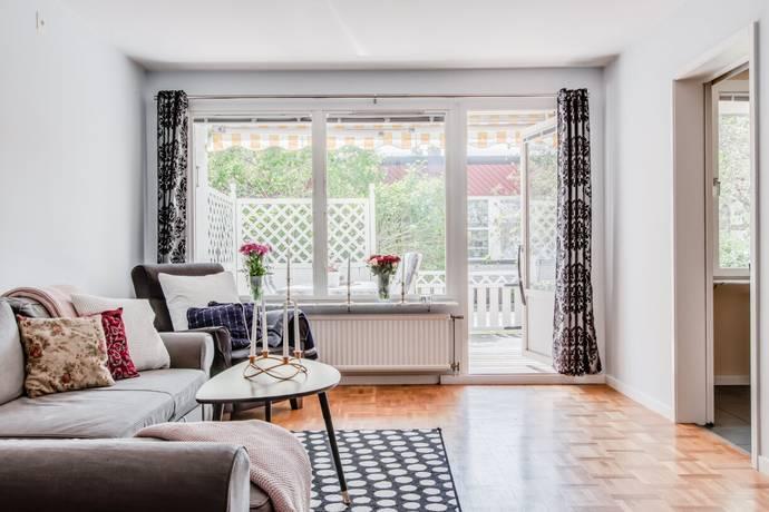 Bild: 2 rum bostadsrätt på Lomvägen 33, Sollentuna kommun Kärrdal