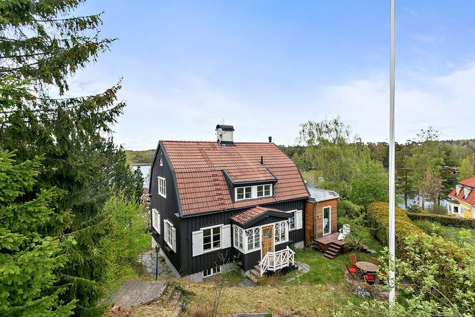 Bild: 8 rum villa på Parkbacken 3, Botkyrka kommun Uttran