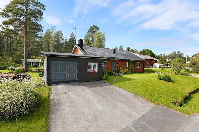 Bild: 5 rum villa på Svanövägen 16, Luleå kommun Bergnäset