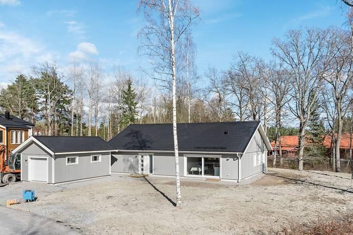Bild: 5 rum villa på Mosaikvägen 18, Håbo kommun Skokloster - Slottsskogen