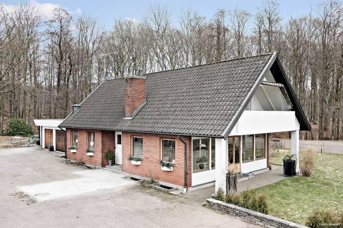 Bild: 6 rum villa på Idrottsplatsvägen 19, Ängelholms kommun Hjärnarp
