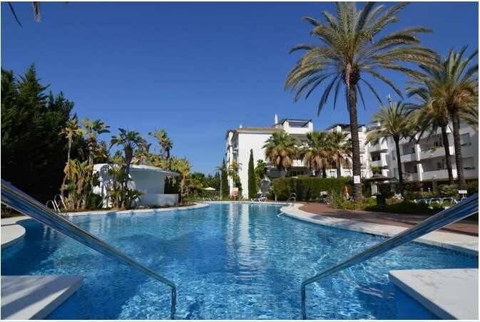 Bild: 4 rum bostadsrätt på A15 Nueva Andalucia,  Puerto Banus, Spanien MARBELLA   NUEVA ANDALUCIA  COSTA DEL SOL