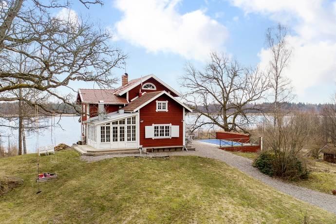 Bild: 6 rum villa på Trystorp  Strandvillan, Lekebergs kommun Fjugesta
