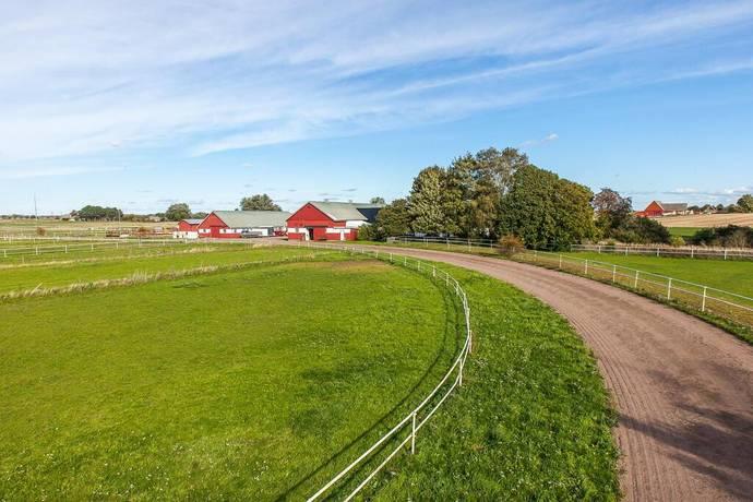 Bild: gård/skog på Särslöv, Staffanstorps kommun Sunnanå