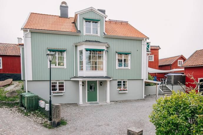 Bild: 7 rum villa på Mäster Lars Gränd 7, Strängnäs kommun Centralt vid Kyrkberget