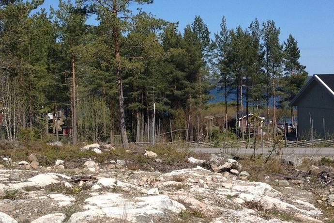 Bild: tomt på Örviksvägen 23, Hudiksvalls kommun Hudiksvall-Mellanbyn