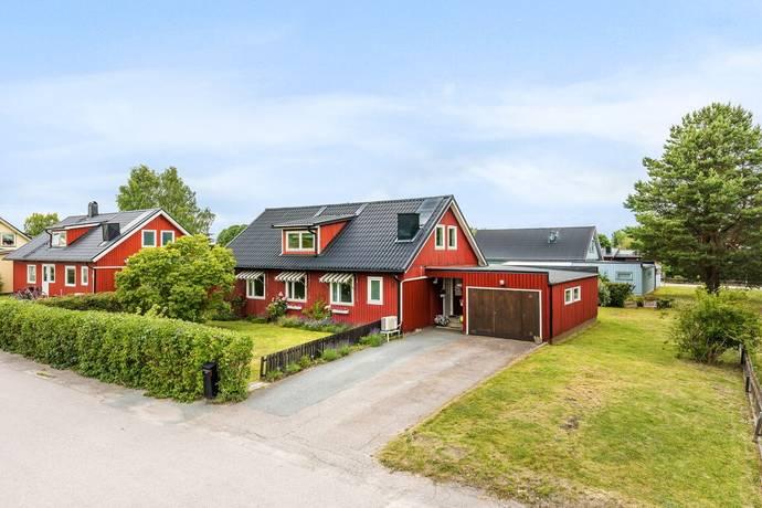 Bild: 7 rum villa på Åses väg 8, Håbo kommun Bålsta - Eneby