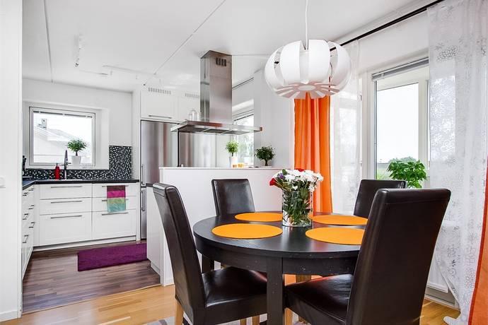 Bild: 3 rum bostadsrätt på Riagatan 5, Örebro kommun Ladugårdsängen