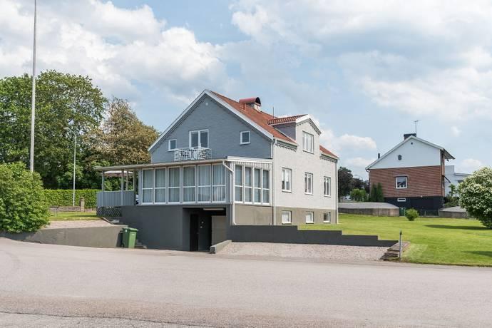 Bild: 6 rum villa på Ulricehamnsvägen 15, Ulricehamns kommun Centralt i Marbäck