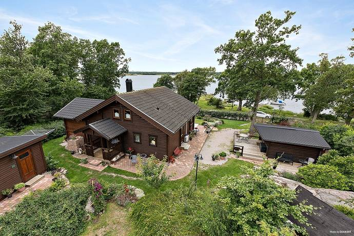 Bild: 4 rum villa på Kronobryggsvägen 17, Karlskrona kommun Trummenäs